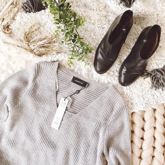 """MINKPINK Sweaters - 𝕞𝕚𝕟𝕜𝕡𝕚𝕟𝕜 """"𝕥𝕒𝕜𝕖 𝕞𝕖 𝕠𝕦𝕥"""" 𝕥𝕦𝕟𝕚𝕔"""